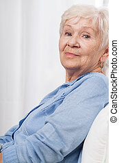 Ältere, glückliche Frau.