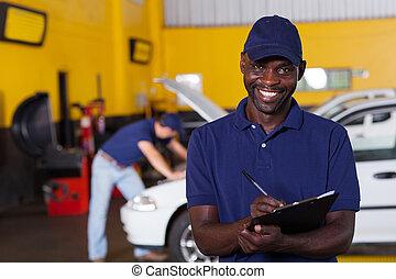 afrikanisch, schreibende, amerikanische , mechaniker, fahrzeug, bericht, mann
