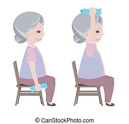 Alte Dame hebt Trinkwasser zum trainieren.