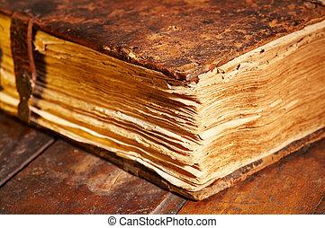 Altes Buch.