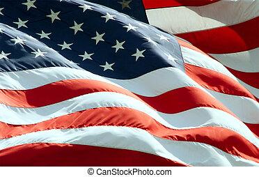 Amerikanische Flagge schwenken