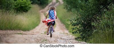 amerikanische , viert, hand, 4, m�dchen, symbol, junger, feier, fahne, reiten, july., fahrrad