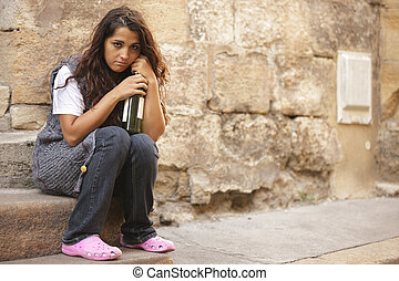 Armes obdachloses Mädchen