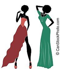 Attraktive Damen in langem Kleid.
