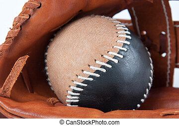 Baseballhandschuh mit Ball