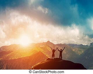 berg, paar, zusammen, glücklich