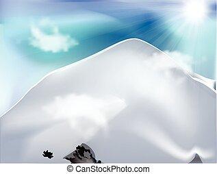 Berge mit Wolken am sonnigen Tag.