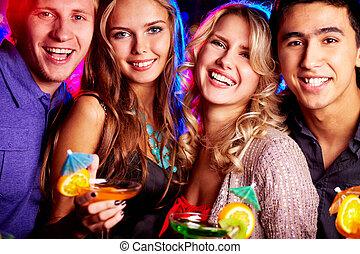 Beste Freunde feiern