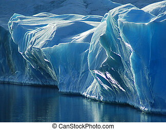 Blaues Eis