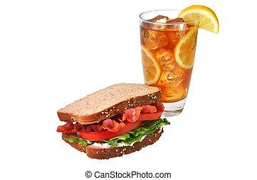 BLT-Sandwich, Eistee, isolierter Weg