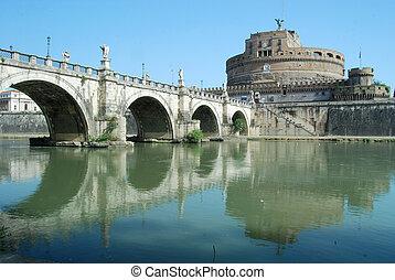 Brücken über den Tiber Fluss in Rom - italy.