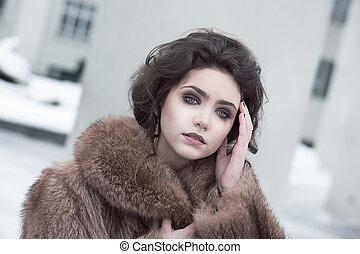 brauner, brünett, fellmantel, junger, hochentwickelt, femininity., draußen, porträt