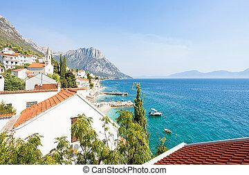 Brist, Dalmatien, Croatia - Blick auf die wunderschöne Bucht von Brist.