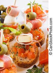 Bruschetta-Brot mit italienischen Lebensmittelzutaten