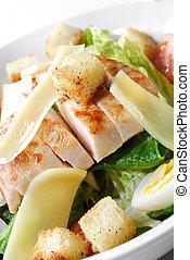 Caesar-Salat mit Hühnchen