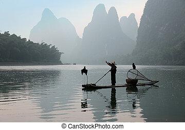 Chinesen fischen mit Kormorane Vögel, traditionelle Fischerei u.
