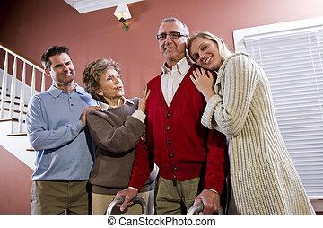 daheim, paar, kinder, älterer erwachsener