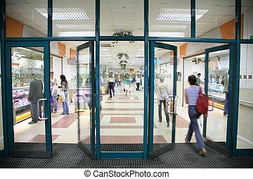 Der Eingang in den Laden