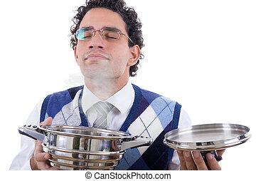 Der Mann riecht köstliches Essen aus Pot.