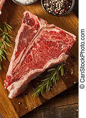 Dickes, rohes Steak