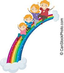 Die Familie rutscht auf einem Regenbogenrutsch