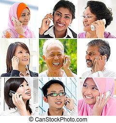 Die Leute reden am Telefon.