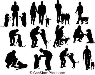 Die Leute schimpfen mit Hund