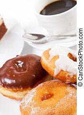 Donut und Kaffee