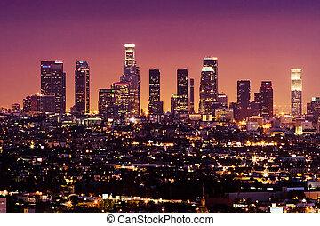 Downtown Los Angeles Skyline in der Nacht, Kalifornien, USA.