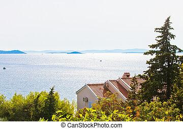 Drage, zadar, croatia - schöne Rücklicht an der Küste der Drachen.