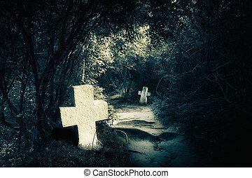 Dunkle Nacht im geheimnisvollen Wald mit verlassenen Gräbern