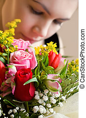 Ein Mädchen mit Blumen