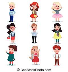 Ein paar kleine Kinder, die andere Modekleidung tragen. Kartoon-Jungs und Mädchen Charaktere stehen isoliert auf weiß. Flat Vektordesign
