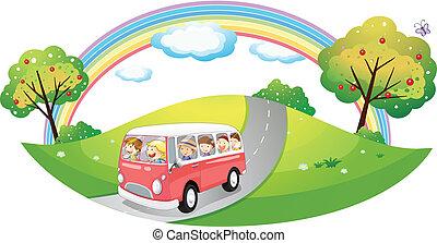 Ein rosa Bus mit Passagieren.