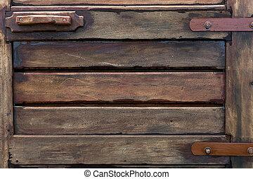 Eine alte Holztür.
