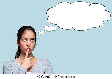 Eine Frau mit Gedankenblasen