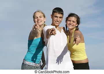 Eine Gruppe glücklicher Teenager