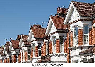 Eine Reihe typischer englischer Häuser in London.