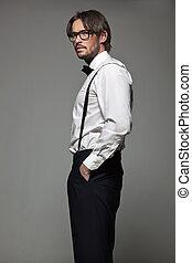 Eleganter Mann in Brille