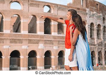 familie, sporthalle, rom, aus, romantische , glücklich, hintergrund, europe., paar