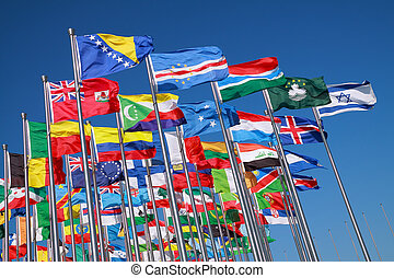 Flaggen von Ländern auf der ganzen Welt.