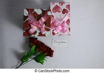Fotoshooting Valentine Tag mit Bouquet Rose und Geschenkboxen.