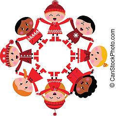 Fröhliche, multikulturelle Winterkinder, die Hände auf weiß halten