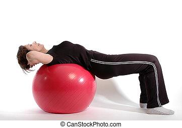 Frau auf Fitnessball 904