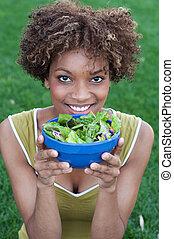 frau essen, salat, amerikanische , hübsch, afrikanisch