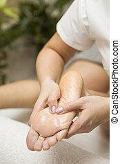 frau, massage, annahme, spa, salon, fuß