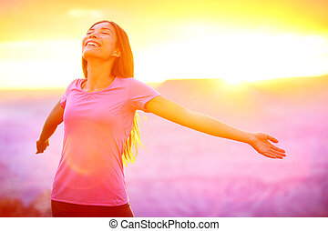 frau, natur, leute, -, frei, sonnenuntergang, genießen, glücklich