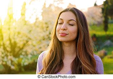 frau, natur, tief, luft, atmen, hintergrund, porträt, frisch