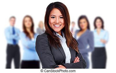 Frau und Gruppe von Geschäftsleuten.