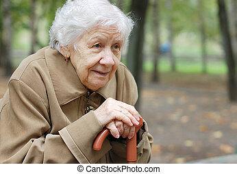 frauenportraets, draußen, älter, schöne